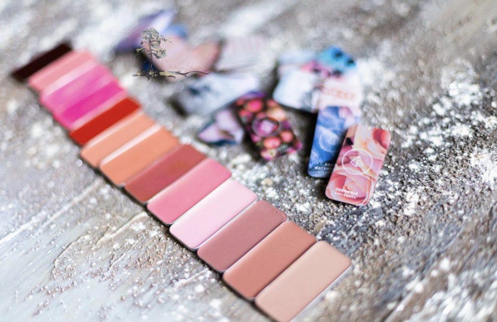 Maskara Beauty iiiD Foundation lip+Cheek colors.