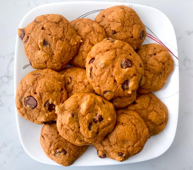 5 Ingredient Chocolate Chip Pumpkin Cookies