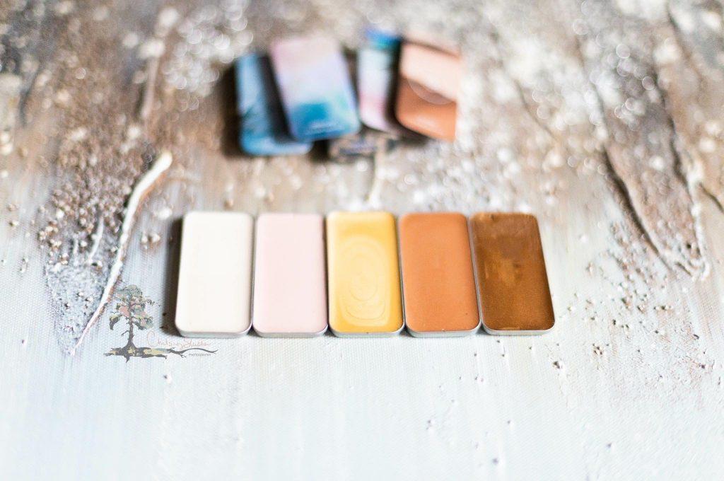 I love the Illuminators from Seint Beauty. www.kellysnider.com