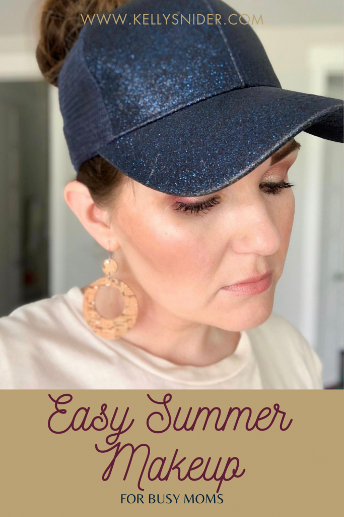 Easy Summer Makeup for Busy Moms with Seint www.kellysnider.com
