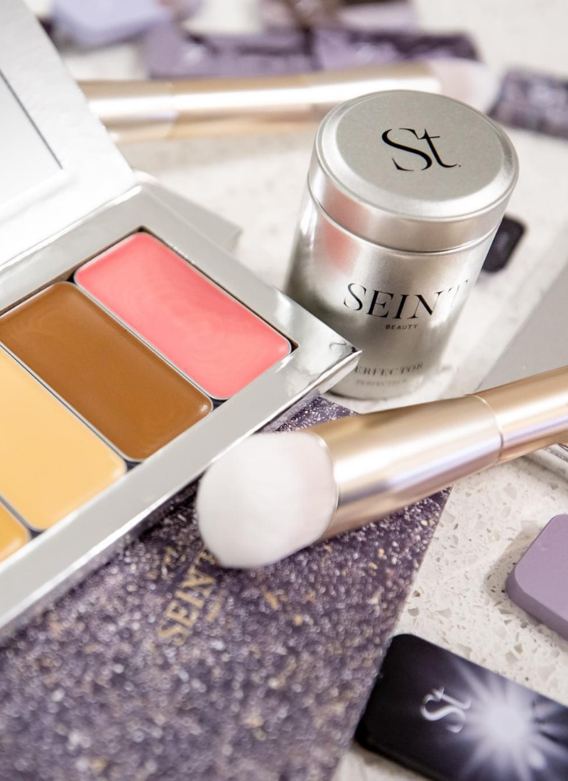 Top tips from a Seint Artist for troubleshooting your new Seint makeup www.kellysnider.com